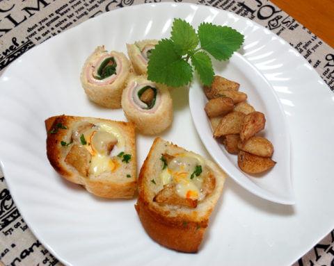 九州産にんにくで、にんにくの素揚げとロールサンド、チーズトースト