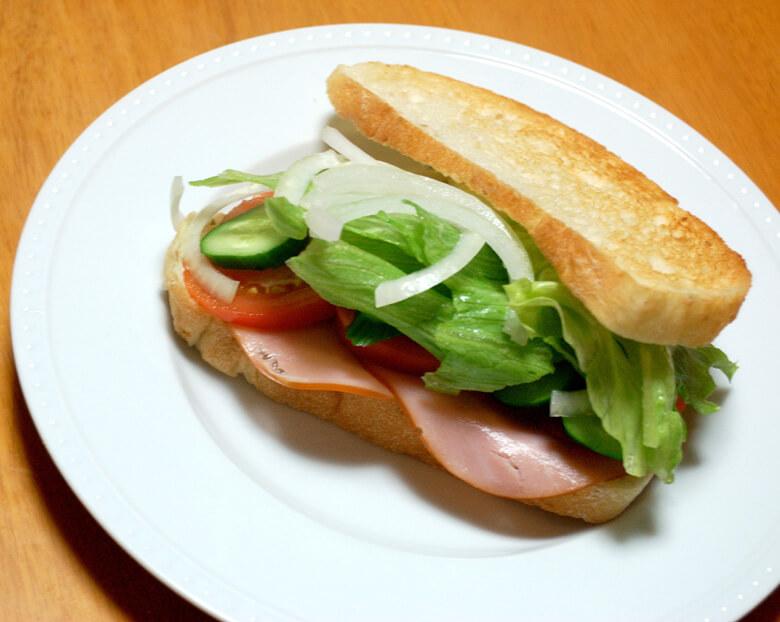 梨のドレッシングで、ハム野菜サンド