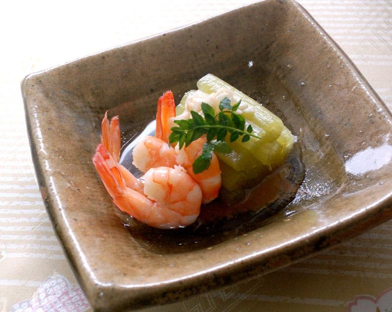 炊き合わせ ふきと揚げにんにくの青煮と海老のうま煮