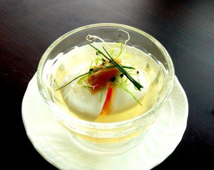 半熟卵の梅肉かけ