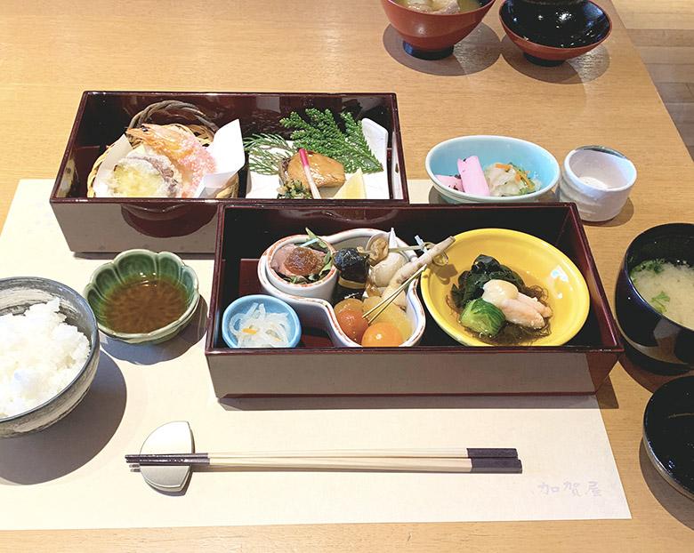 二段箱、ご飯、留椀、香の物