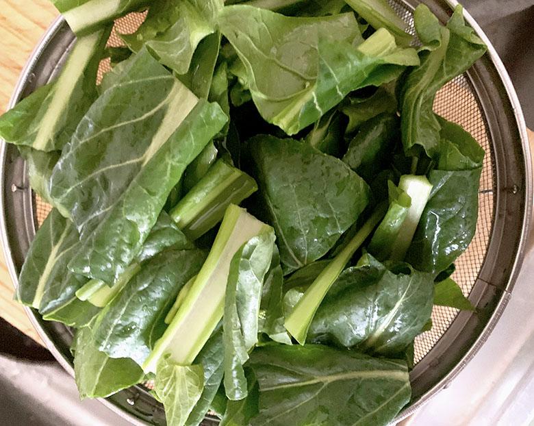 小松菜は4~5cmの食べやすい長さに切る
