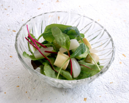 ベビーリーフときゅうりのサラダ