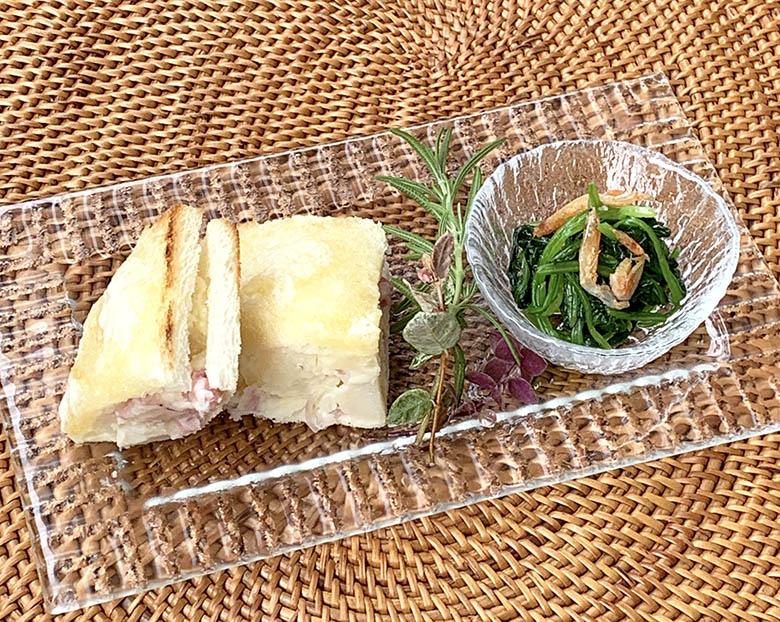 バターハニーレモン・サンドとほうれん草と干しエビの和え物