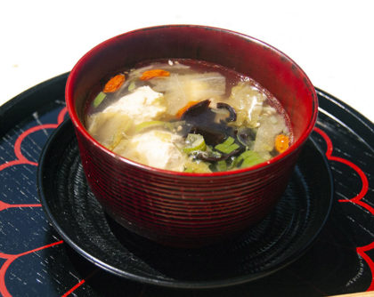 鶏団子と干しシイタケのスープ