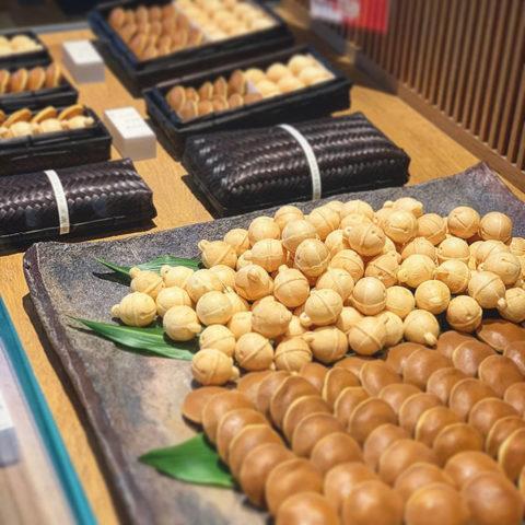 鈴懸店内 和菓子