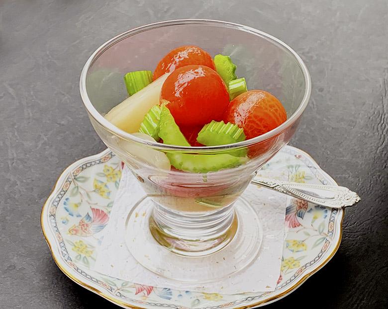 ミニトマトとセロリのサラダ
