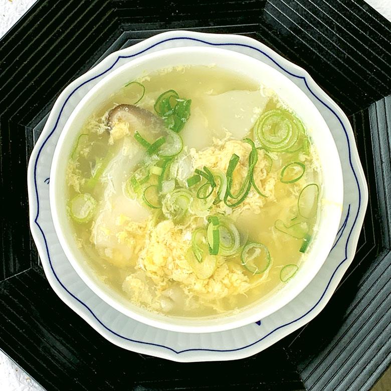 絹豆腐と木綿豆腐餃子の卵スープ