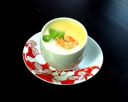 海老、生シイタケ、枝豆の茶碗蒸し